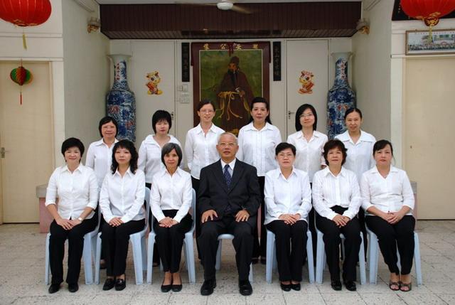 2012-2013 Woman Group Photo